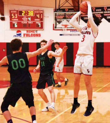 Kruer shoots against Ennis. PHOTO COURTESY TWIN BRIDGES SCHOOL