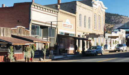 Virginia City community members work hard to decorate the town for the holiday season. PHOTO COURTESY OF KIM JORCZYK